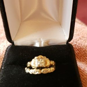 Jewelry - Antique wedding ring set or promise ring set